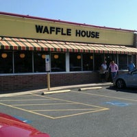 Photo taken at Waffle House by Lynn C. on 5/19/2012