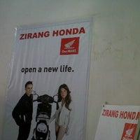 Photo taken at Zirang Honda by Chu B. on 9/10/2011