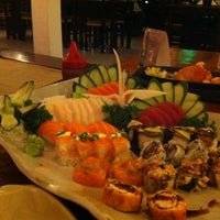 Photo taken at Gattai Sushi by Brunna S. on 3/29/2012