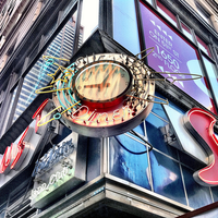Photo taken at Ellen's Stardust Diner by The Corcoran Group on 8/24/2011