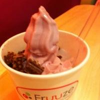 Photo taken at Fruuze Frozen Yogurt by Liz G. on 1/22/2011