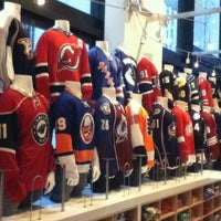 Photo taken at NHL Store Powered by Reebok by AKiKO on 1/22/2011