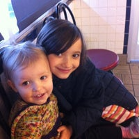 Photo taken at Waffle House by Douglas A. M. on 11/5/2011