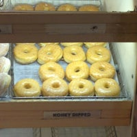 Photo taken at Sunny Donuts by Kurtis Lee H. on 7/5/2012