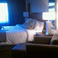 Photo taken at Omni Charlottesville Hotel by Carolyn V. on 11/1/2011