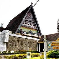 Photo taken at Museum Sumatera Utara by Fandra N. on 4/24/2012