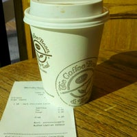 Photo taken at The Coffee Bean & Tea Leaf® by Shannon M. on 6/7/2012