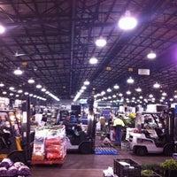 Photo taken at Sydney Markets by Maiteesud M. on 12/11/2011
