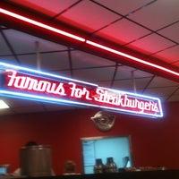 Photo taken at Steak 'n Shake by Island G. on 10/7/2011