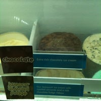 Photo taken at Baskin Robbins by Meity Y. on 3/18/2012