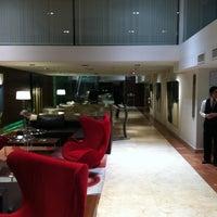 Photo taken at Howard Johnson Hotel La Cañada by Paul D. on 5/14/2011