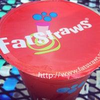 Photo taken at Fat Straws Bubble Tea & Juice by Elysa E. on 9/2/2012