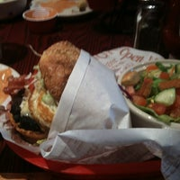 Photo taken at Red Robin Gourmet Burgers by Robert T. on 2/9/2012