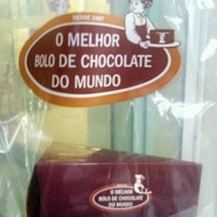 Photo taken at O Melhor Bolo de Chocolate do Mundo by Mariana B. on 10/23/2011