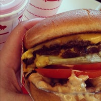 Photo taken at In-N-Out Burger by Anna H. on 7/29/2012