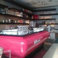 Photo taken at Suplicy Cafés Especiais by Carlos K. on 8/7/2012