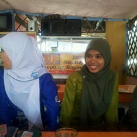 Photo taken at MJ Seafood by Mar C V. on 5/3/2012