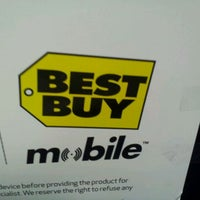 Photo taken at Best Buy Mobile by Justin T. on 11/2/2011