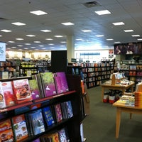 Photo taken at Barnes & Noble by Vincent S. on 7/17/2011