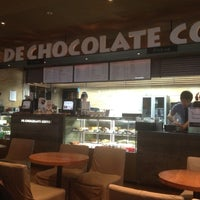 Photo taken at DE CHOCOLATE COFFEE by Min-cheol S. on 3/30/2012