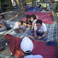 Photo taken at Ayam Goreng Tulang Lunak Bengawan by bertha on 9/1/2012