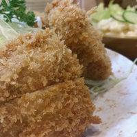 Photo taken at Tonkatsu Enraku by Toshi O. on 8/21/2012