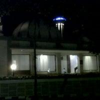 Photo taken at Masjid Al Ihsan Jakapermai by Daryl Z. on 9/14/2011