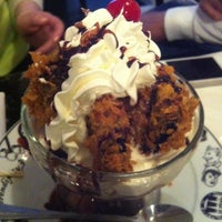 Photo taken at Serendipity 3 by Mandy G. on 3/25/2012