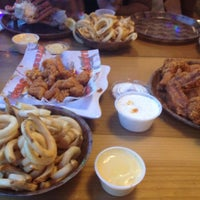 Photo taken at Hooters by Markuetta K. on 5/30/2012