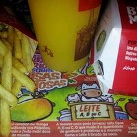 Photo taken at McDonald's by Rodrigo S. on 10/18/2011