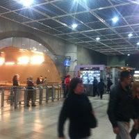 Das Foto wurde bei Metro La Cisterna von Santiago F. am 4/10/2012 aufgenommen