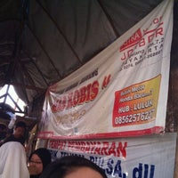 Photo taken at Spesial Sambal Bawang Mas Kobis by odie c. on 9/24/2011