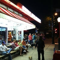 Photo taken at Bonnie Brae Ice Cream by Rob a. on 5/31/2011