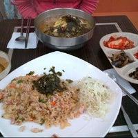Photo taken at 까치네 분식 by Keunhong P. on 10/9/2011