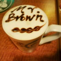 Photo taken at 伯朗咖啡館 Mr. Brown Coffee by Naomi on 12/12/2011