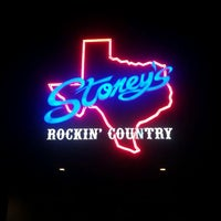 Photo taken at Stoney's Rockin' Country by Johnny H. on 8/29/2011