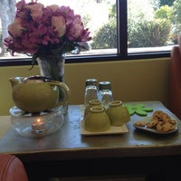 Photo taken at Greenhaus  European Day Spa by Kelly M. on 6/2/2012