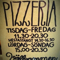 Photo taken at Pizza Hatt by stefan k. on 9/28/2011