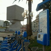Photo taken at Vélo Bleu (Station No. 26) by Iarla B. on 2/17/2012