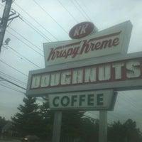 Photo taken at Krispy Kreme Doughnuts by Tay R. on 9/9/2011