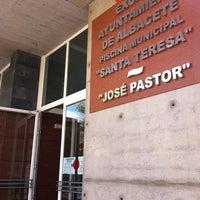 Photo taken at Piscina Jose Pastor- Santa Teresa by Franvat on 7/29/2011