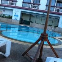 Photo taken at Amora Tapae Hotel Chiangmai by MoMotaro 🌀 K. on 8/28/2011
