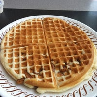 Photo taken at Waffle House by Nikki_Janell on 8/21/2011