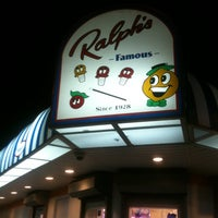 Photo taken at Ralph's Italian Ices by Yvette F. on 8/12/2012