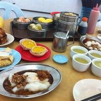 Photo taken at Maxim Dim Sum Restaurant by Edwin K. on 3/20/2012