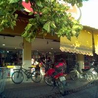 Foto tirada no(a) Hiper Econômico por Energias R. em 5/21/2012