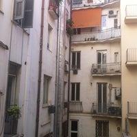 Foto scattata a Hotel Des Artistes da nickolette il 7/8/2012