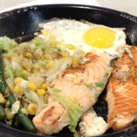 Photo taken at Pepper Lunch Express by Chenee L. on 7/3/2012