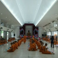 Photo taken at Wat Chonprathan Rangsarit by Rungsatta D. on 4/9/2011