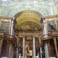 Das Foto wurde bei Prunksaal der Nationalbibliothek von Jimmy B. am 7/28/2012 aufgenommen
